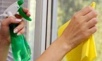 Чим мити пластикові вікна?