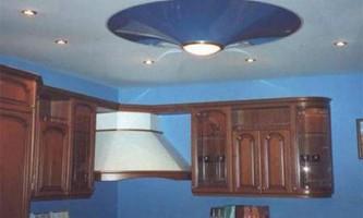 Дизайн натяжних стель на кухні
