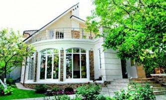 Фасадні фарби: краса і захист