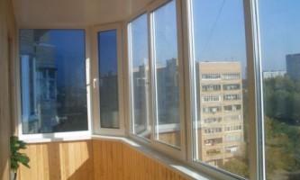 Як склити балкон