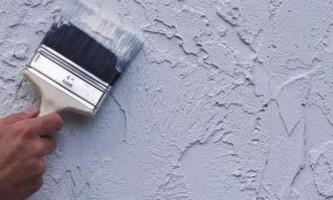 Як правильно наносити декоративну штукатурку на стіни? Які інструменти використовуємо?