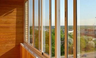 Як відбувається алюмінієве скління балкона