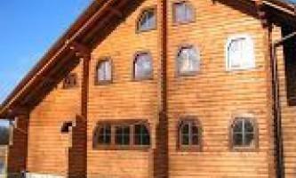 Вікна в дерев`яному будинку
