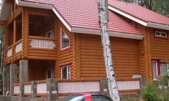 Будівництво будинку з оциліндровки в пітері: яку фірму вибрати