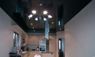 Види натяжних стель в кухні